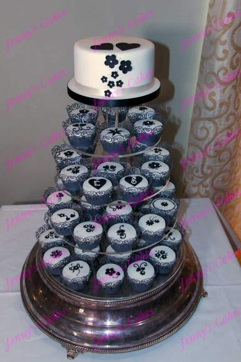 Cupcakes with Vintage Black and White theme