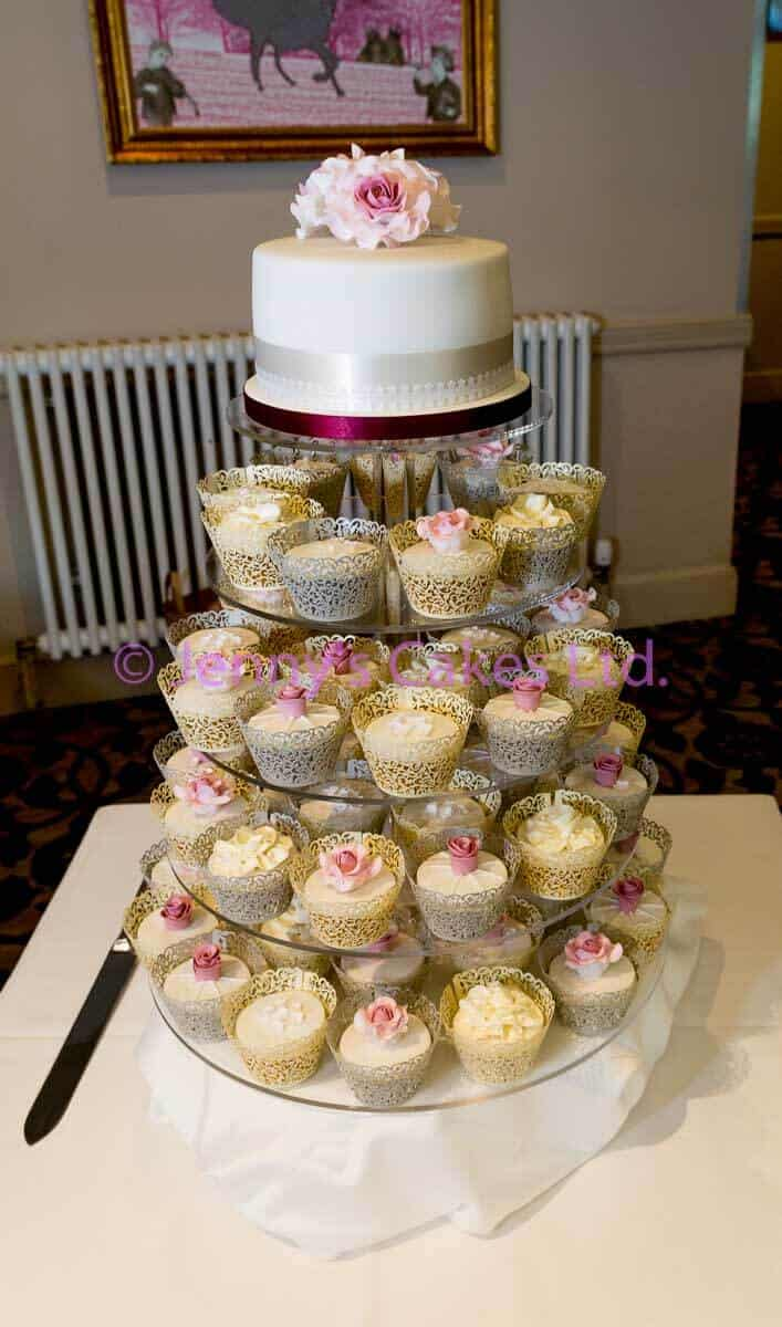 Cupcakes with floral Detail